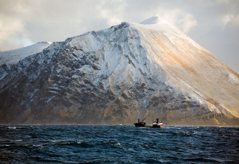 渔夫摄影师拍摄海上惊险旅程