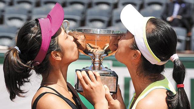 """""""海峡组合""""为中国人拿下第二座法网冠军奖杯"""