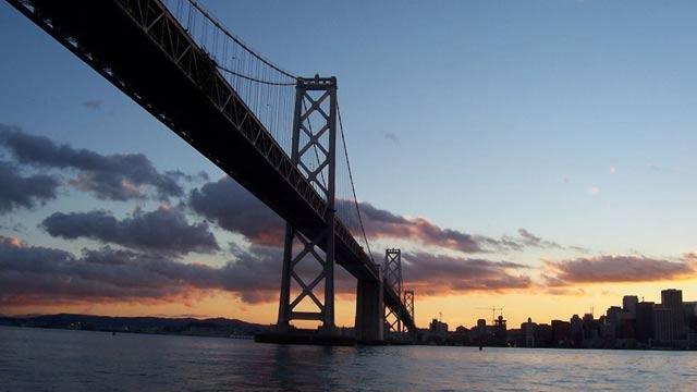振华重工美国项目再遭指责:海湾大桥焊缝开裂