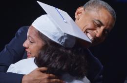奥巴马抱女学生:根本停不下来