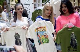 俄罗斯商店开卖普京T恤 1小时能卖100件