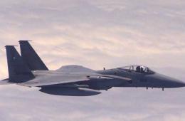 国防部公布11日日本F15对我机做危险动作图像