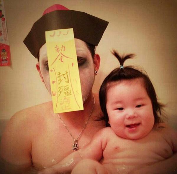 人像摄影:日本父女的沐浴时间
