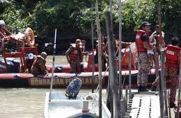 载97人船只在马来西亚海域沉没 仍有42人失踪