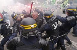法国铁路工人持续罢工 与警方发生激烈冲突
