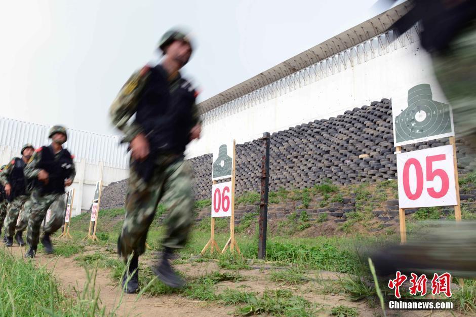 武警部队火热训练提升反恐战力图片