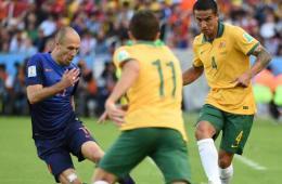 荷兰3-2澳大利亚晋级16强 罗本狂飙破门