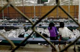 5万无人陪伴儿童涌入美国被扣收容中心