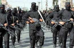 伊拉克安全部队与什叶派武装人员举行阅兵