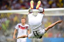 德国2-2加纳 克洛泽破门平大罗世界杯15球记录