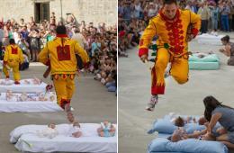 """西班牙""""恶魔""""跳过婴儿保护其不受恶灵滋扰"""