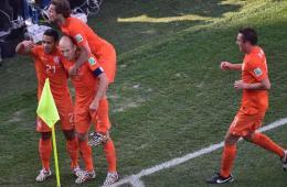 罗本终场献助攻 荷兰2-0智利
