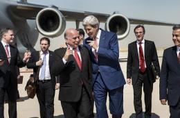 美国国务卿克里访问伊拉克