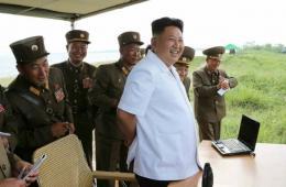 金正恩指导发射朝鲜新开发超精密化战术试验导弹