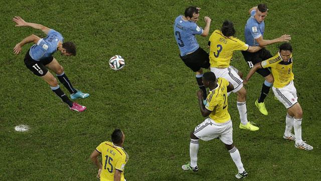 哥伦比亚2-0乌拉圭 首进世界杯8强
