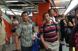 第一批从伊拉克撤回来的中国工人回到广州