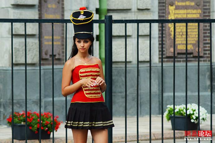 街拍俄罗斯满街性感美女