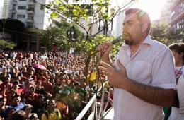 巴西圣保罗无家可归者举行游行 要求政府调控房价