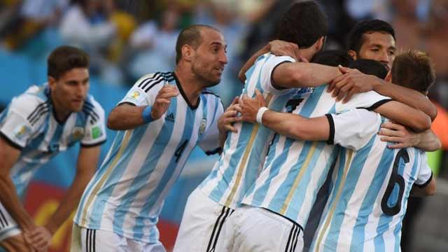 梅西献助攻迪玛利亚绝杀 阿根廷1-0晋级8强