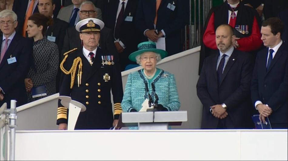 """7月4日上午,英国最新建造的伊丽莎白女王级航母首舰""""伊丽莎白女图片"""