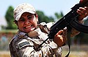 伊拉克库尔德妇女接受军训