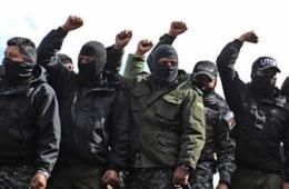 玻利维亚警察蒙面示威要求加薪