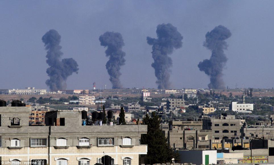 以色列空袭加沙地带_以色列军队空袭加沙 数十枚火箭报复哈马斯_国际新闻_环球网