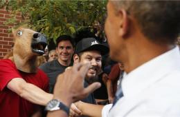 美国总统奥巴马访问丹佛与民众交流 马头人成功抢镜