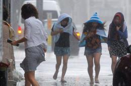 超强台风袭击日本 冲绳地区降暴雨