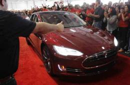 特斯拉在中国仅3个充电站 电动车仅成富豪玩具?