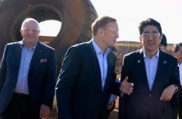 澳总理亲陪安倍考察矿区 日媒称展示蜜月关系