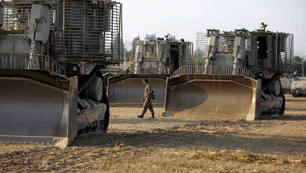 以民众淡定围观以军轰炸哈马斯(组图)