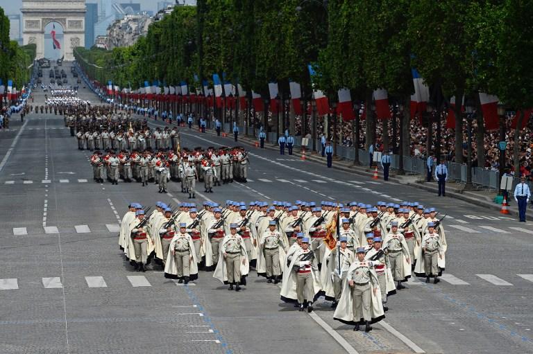 国庆阅兵仪式_法国举行国庆日阅兵式 中国首次出席仪式