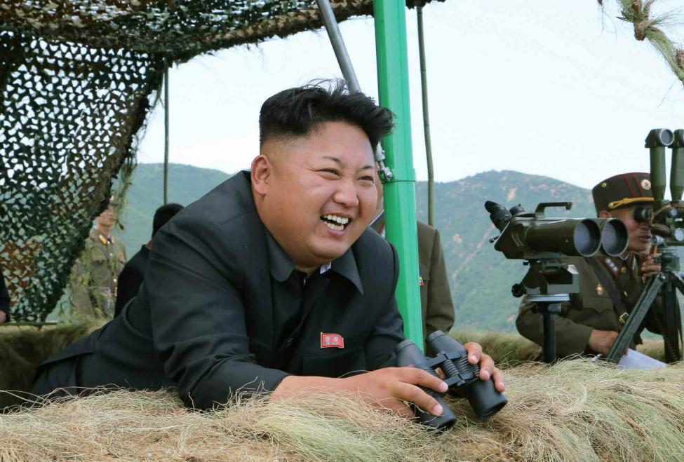 金正恩下达射击命令 指导朝鲜军队实弹炮击训练