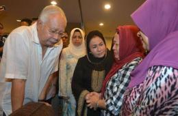 马来西亚总理纳吉布确认其继外婆搭上MH17死亡班机