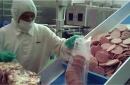 麦当劳肯德基供应商被曝用过期劣质肉 被要求全下架