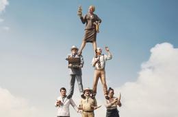 公益广告:你是塔尖上的人吗?(图)