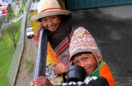 玻利维亚新法案12岁打工合法 遭人权组织批评