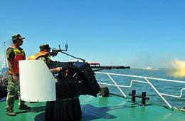 福建海警7艘舰艇集体出动练兵