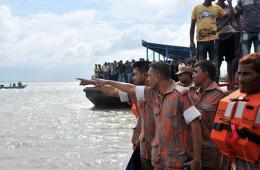 孟加拉国一艘渡轮沉没恐有百余人失踪