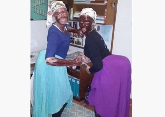 南非女大学生假扮女佣形象拍照被指种族歧视