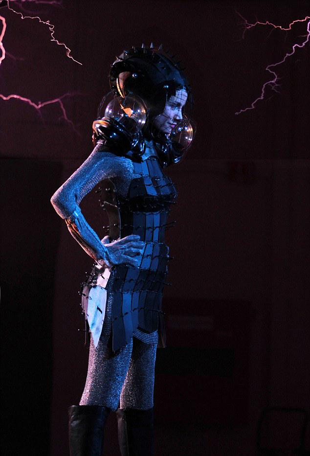 神奇裙子:用特斯拉线圈转化音乐