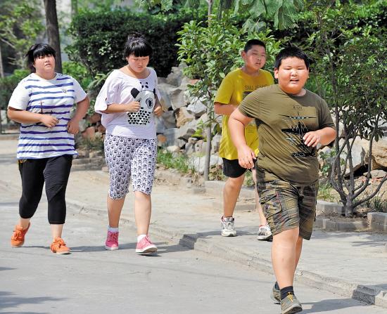 """肥胖、矮小、性早熟!孩子成长路上三道""""坎"""""""