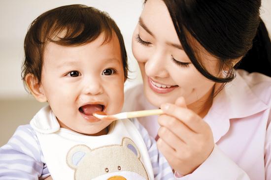 宝宝辅食的宜与忌:1岁以内别加盐