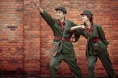 红卫兵婚纱照风波映照的家史国史