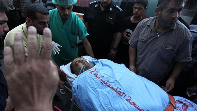 加沙拆弹爆炸事故中受伤记者入院接受治疗