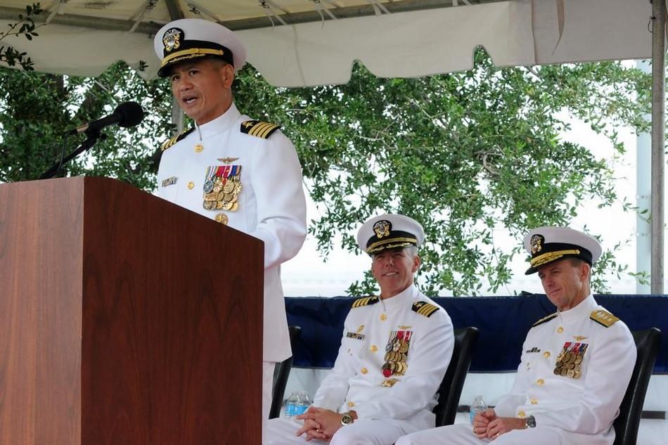航母舰长_美国一家出了两名现任航母舰长_军事_环球网