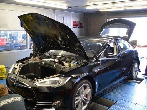 萨林改装特斯拉Model S卵石滩亮相高清图片