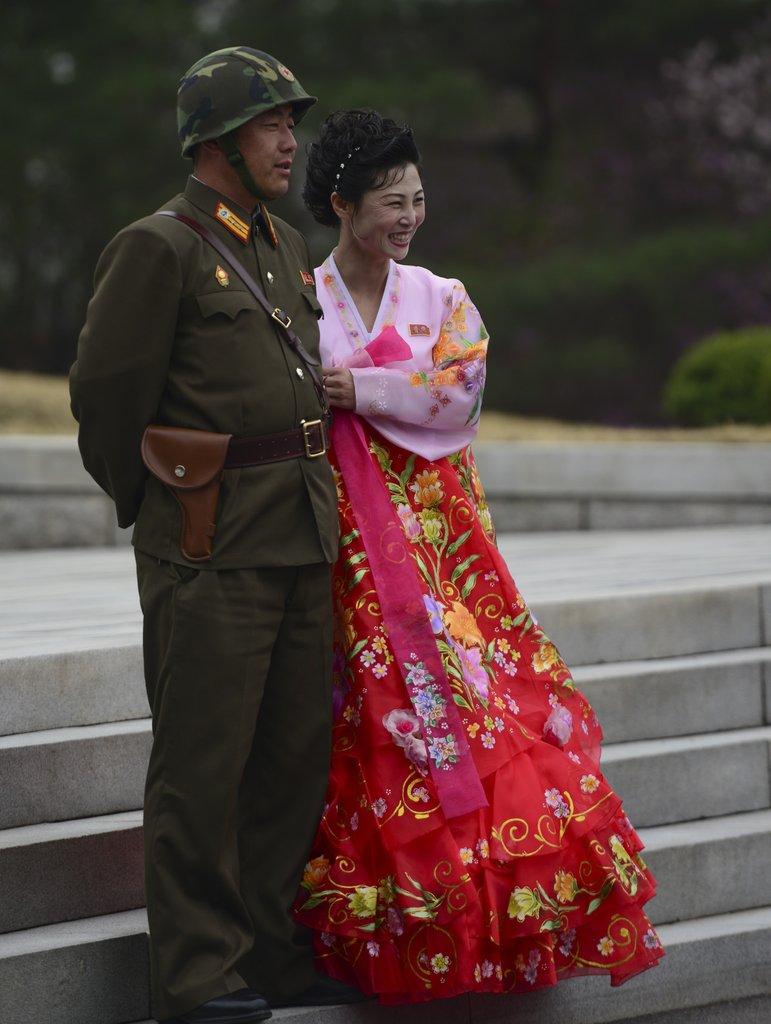 镜头聚焦朝鲜军民日常生活
