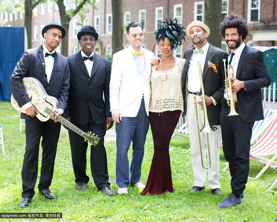 美国爵士音乐舞会潮人聚集图片